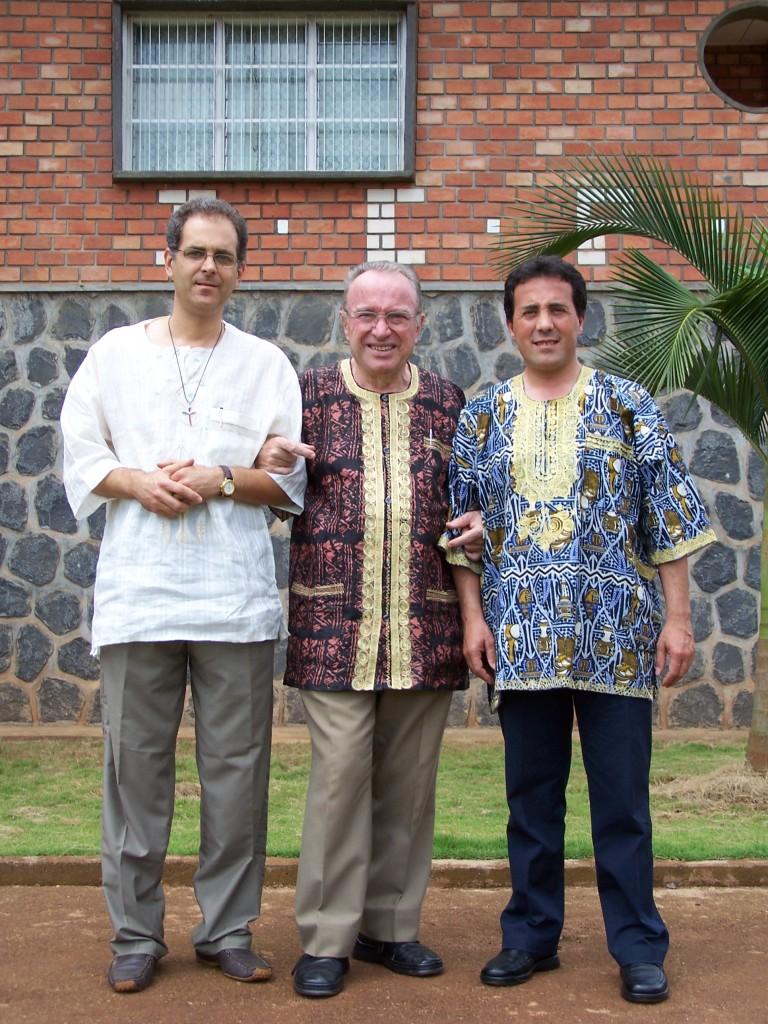 10 Don Luca, Don Sergio, Don Marco-Bamenda Camerun